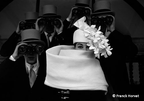 1958-Paris-France-pour-JDM-Chapeau-Givenchy_small-500x350-1.1